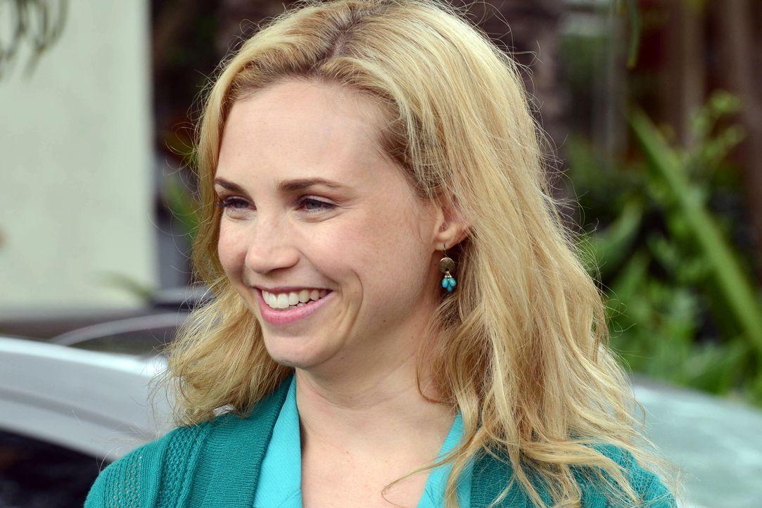 Muss Jenna (Fiona Gubelmann) sich endgültig aus ihrem Job als Moderatorin zurückziehen? - Bildquelle: 2011 FX Networks, LLC. All rights reserved.