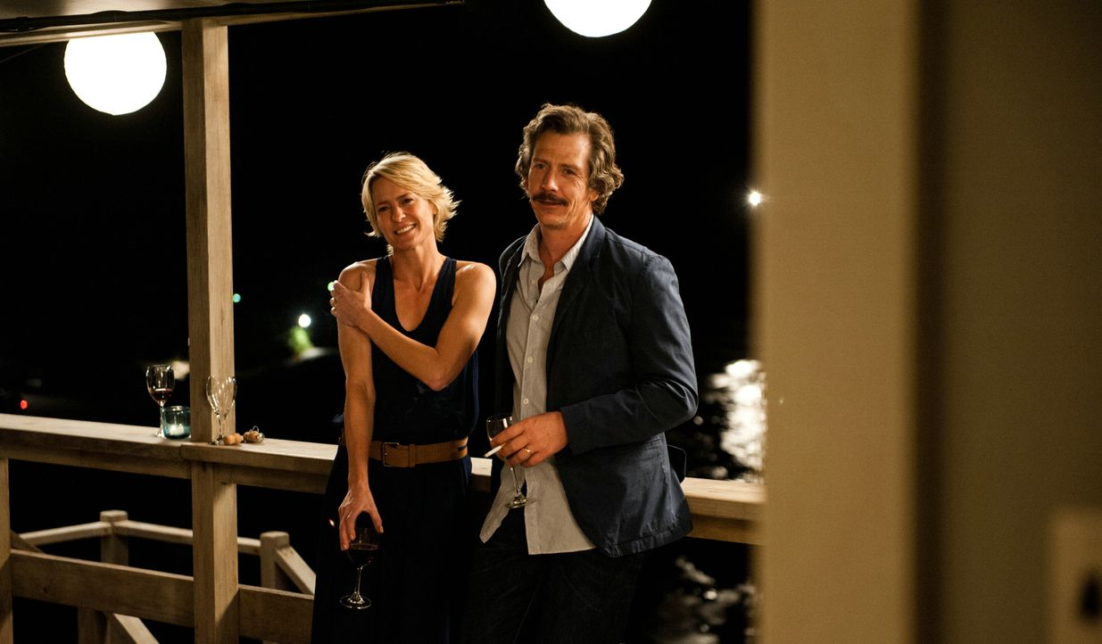 Ist ihre Ehe am Ende? Harold (Ben Mendelsohn, r.) und Roz (Robin Wright, l.) ... - Bildquelle: 2013 Concorde Filmverleih GmbH