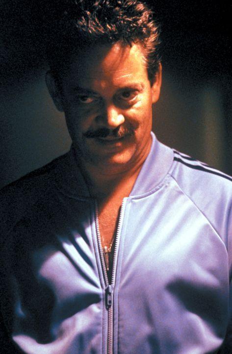 Strom (Raul Julia) der skrupellose Anführer einer Autoschieber-Gang, kennt keine Gnade ... - Bildquelle: Warner Bros.