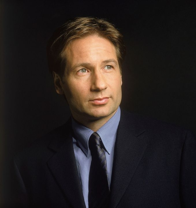 (8. Staffel) - FBI-Agent Fox Mulder (David Duchovny). - Bildquelle: TM +   2000 Twentieth Century Fox Film Corporation. All Rights Reserved.