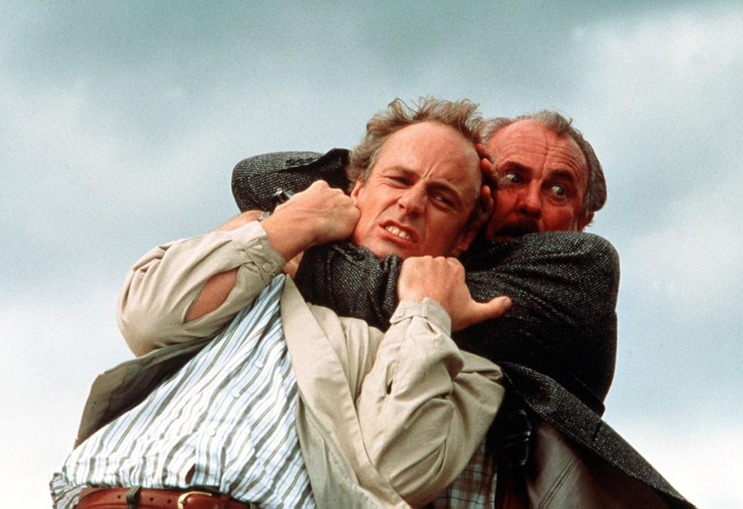 Jetzt scheint sein Kollege Burt Simpson (Dabney Coleman, r.) endgültig den Verstand verloren zu haben. Ernie Dills (Matt Frewer, l.) weiß nicht, w... - Bildquelle: ITV plc (Granada International)