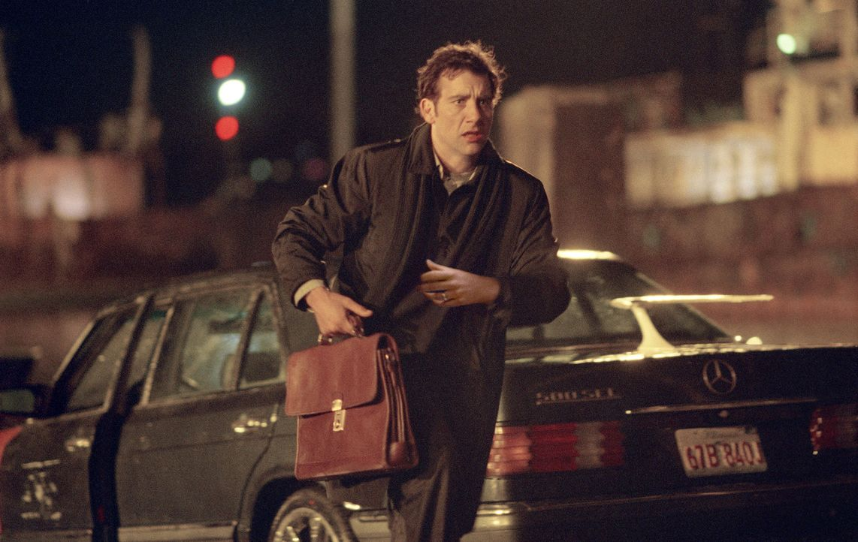 Nach dem Überfall im Hotelzimmer wird Charles (Clive Owen) immer wieder von dem Kriminellen LaRoche kontaktiert. Dieser erpresst immer größere Su... - Bildquelle: Miramax Films All rights reserved