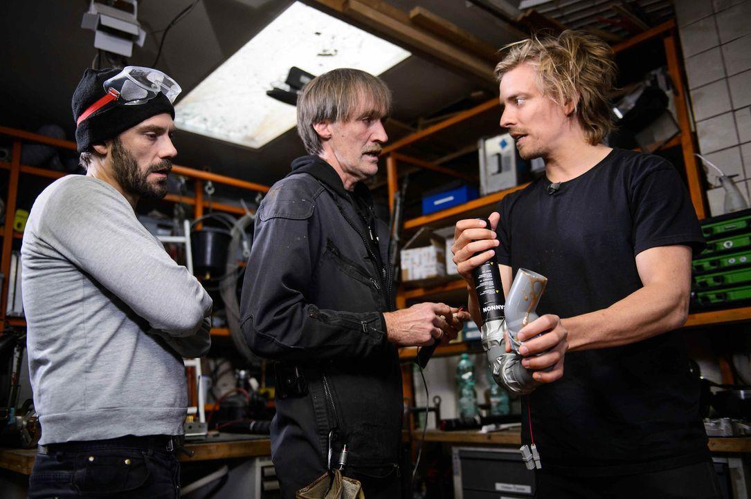 Bei der Planung eines neuen Pranks: die Prankmaster Daniel Wiemer (l.) und Jan Stremmel (r.) ... - Bildquelle: Willi Weber ProSieben