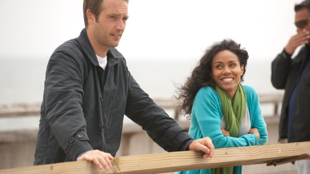 Christina (Jada Pinkett Smith, r.) versucht, ihren guten Freund David, bei de...