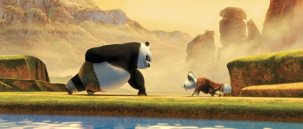Meister Shifu (r.) muss sich einiges einfallen lassen, um seinen Schützling Po zum Training zu bewegen. Doch schon bald hat Po (l.) nur ein Ziel vo... - Bildquelle: Paramount Pictures