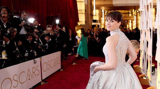 ad0aa1745c5d Oscars® 2019 - Video - Oscars ® 2015  Die schönsten Kleider auf dem Red