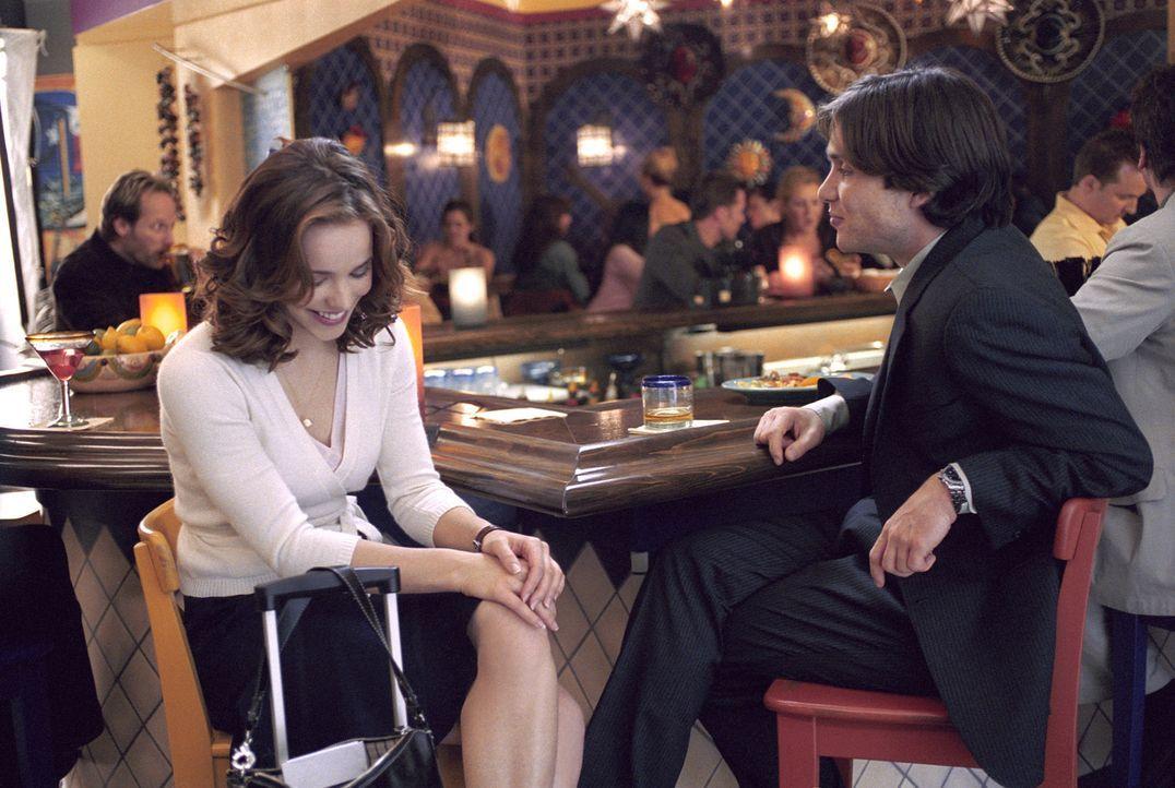 Die Chemie stimmt: Zunächst fühlt sich Lisa (Rachel McAdams, l.) zu dem attraktiven Jackson (Cillian Murphy, r.) hingezogen. Doch dann zeigt der M... - Bildquelle: Telepool GmbH