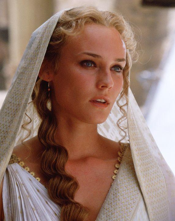 Gilt als eine der schönsten Frauen der Welt: Königin Helena (Diane Kruger) aus Sparta. Als sie mit Paris aus Menelaos' Palast verschwindet, ist ihr... - Bildquelle: Warner Brothers International Television