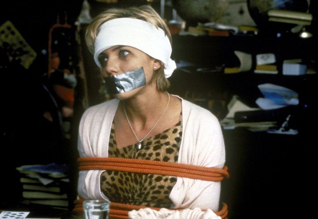In den Händen eines liebenswerten Entführers: Celine (Cameron Diaz) ... - Bildquelle: PolyGram Filmed Entertainment