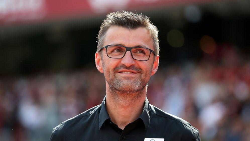 Testspielsieg für den Club und Trainer Michael Köllner - Bildquelle: FIROFIROSID