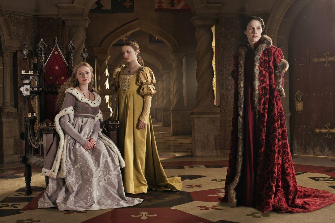 Werden von den Männern immer wieder unterschätzt: Queen Elizabeth (Rebecca Ferguson, l.), Anne Neville (Faye Marsay, M.) und Lady Margaret Beaufort... - Bildquelle: 2013 Company Television Limited LEGAL