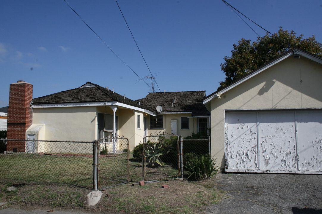 Dieses heruntergekommene Haus in ein eine Wohlfühloase verwandeln - keine leichte Aufgabe für Christina und Tarek El Moussa ... - Bildquelle: 2014,HGTV/Scripps Networks, LLC. All Rights Reserved
