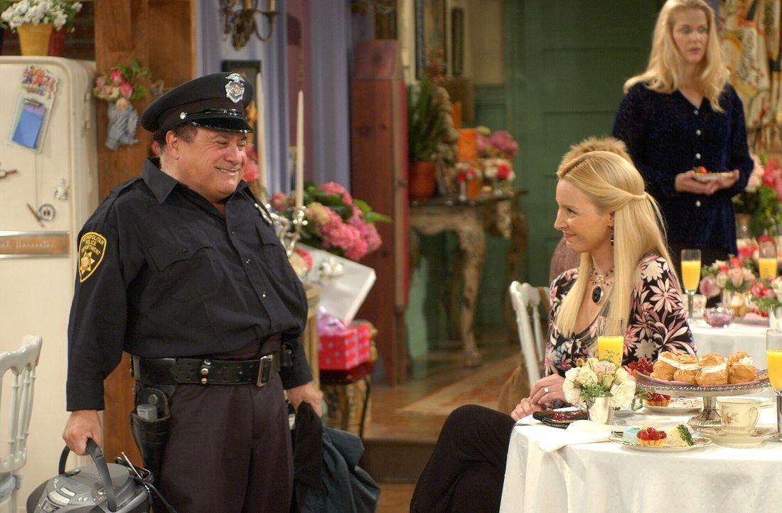 Phoebe (Lisa Kudrow, r.) wünscht sich von Roy (Danny DeVito, l.), der absolut kein Stripper-Talent hat, einen letzten Tanz ... - Bildquelle: 2003 Warner Brothers International Television