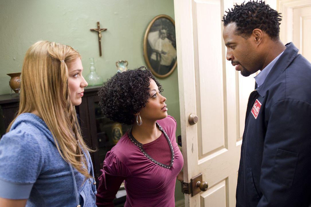 Mr. Moody (Marlon Wayans, r.) macht Megan (Shoshanna Bush, l.) und Thomas' Schwester Charity (Essence Atkins, M.) einen eigenartigen Vorschlag ... - Bildquelle: 2008 PARAMOUNT PICTURES CORPORATION