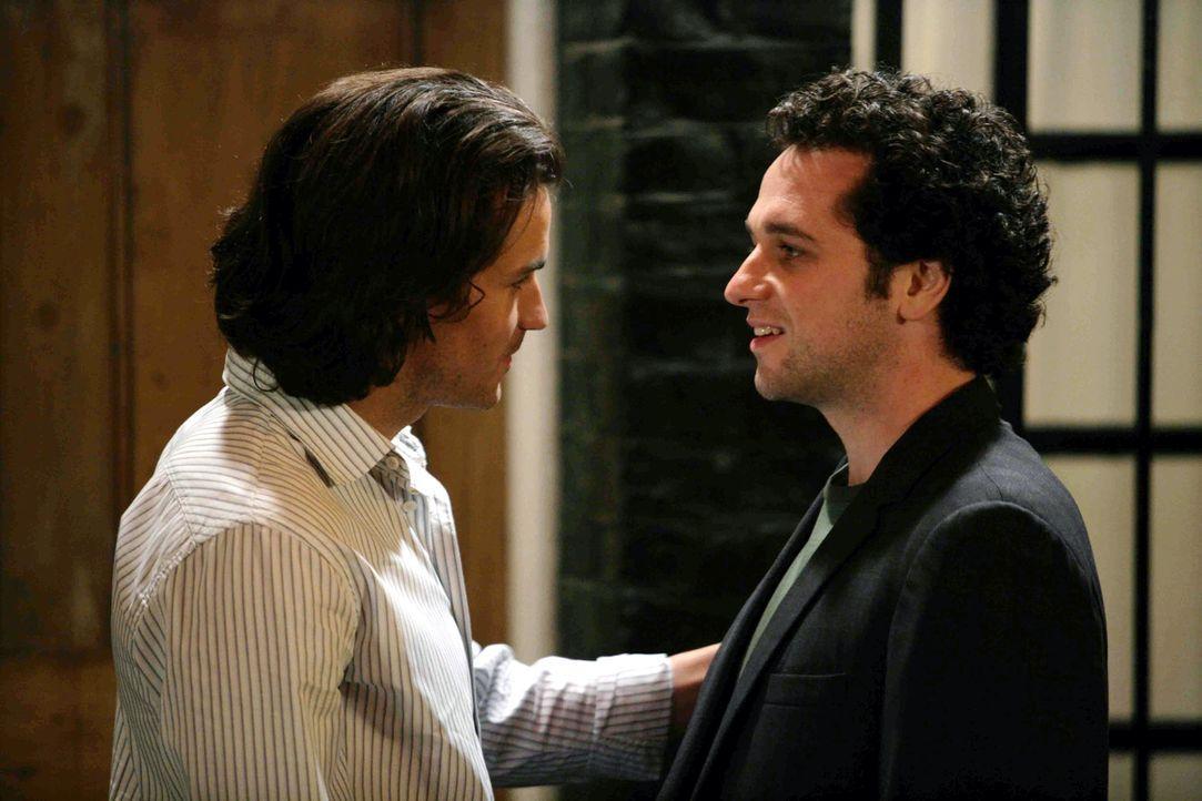 Jacks will unbedingt Paolo (Santiago Cabrera, l.) und Peter (Matthew Rhys, r.) miteinander verkuppeln. Aber die beiden werden miteinander nicht so r... - Bildquelle: Chris Raphael 2007 EUROPACORP - SKYLINE (LoD) LIMITED