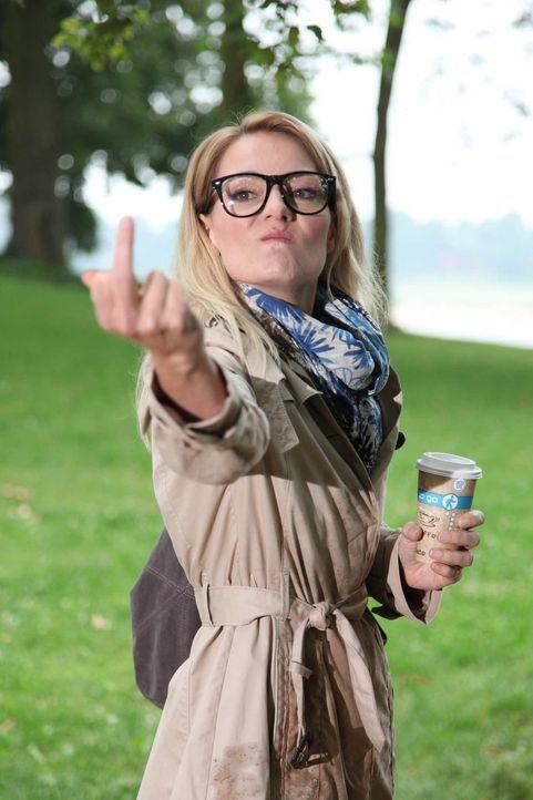 (1. Staffel) - Martina Hill skizziert altbekannte Frauen-Klischees - mal als Femme Fatale oder fatal peinliche Freundin - und führt diese hemmungslo... - Bildquelle: Ralf Jürgens SAT.1