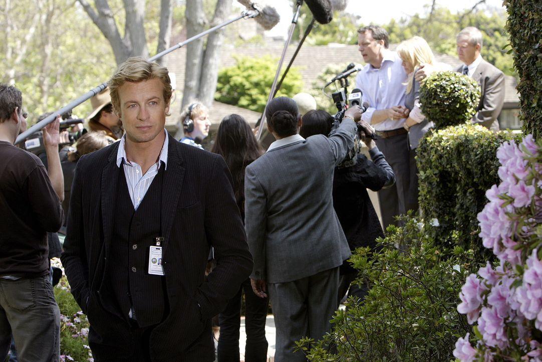 Der Privatdetektiv Patrick Jane (Simon Baker), der sich in seiner früheren Laufbahn als Varietémedium eine scharfe Beobachtungsgabe und psychologi... - Bildquelle: Warner Bros. Television