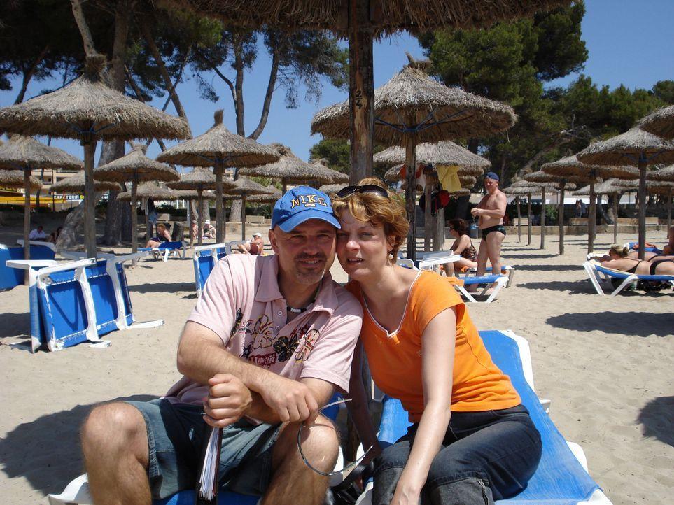 Vor einem halben Jahr sind Mike (43) und Martina (42) Reindl von Brandenburg nach Mallorca ausgewandert ... - Bildquelle: kabel eins