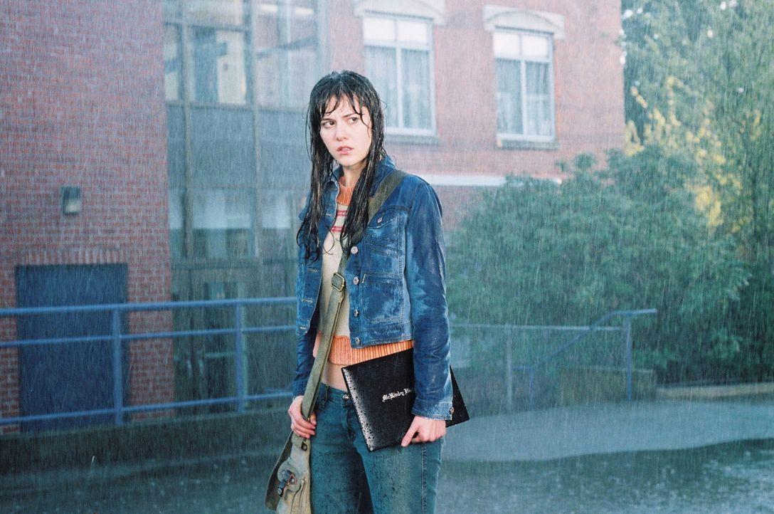 Kann Wendy (Mary Elizabeth Winstead) dem Tod noch von der Schippe springen? - Bildquelle: 2005   Warner Brothers