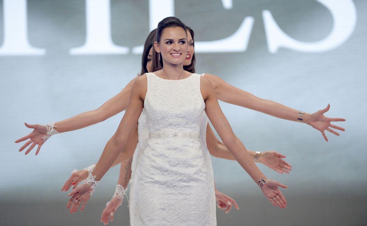 Miss-Germany-Gewinnerin-Lena-Bröder-2-dpa - Bildquelle: dpa