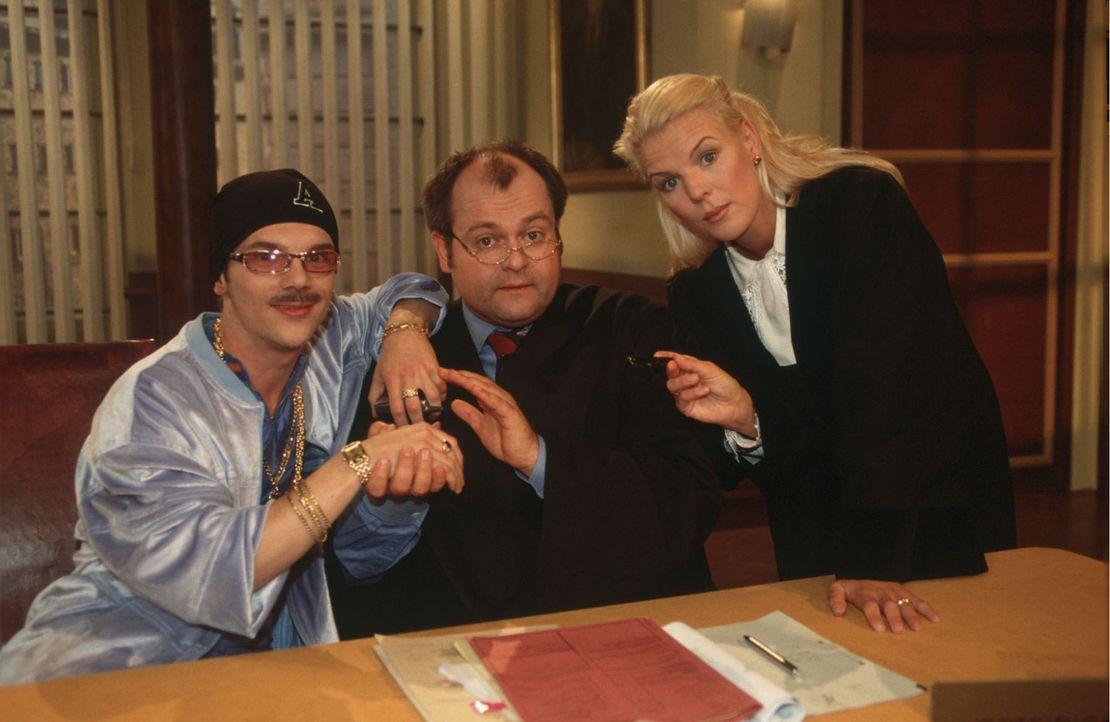 """(v.l.n.r.) """"DIE DREISTEN DREI"""" - das sind die Bewohner von Deutschlands berühmtester Comedy-WG: Ralf Schmitz, Markus Majowski und Mirja Boes ... - Bildquelle: Stephen Power Sat.1"""
