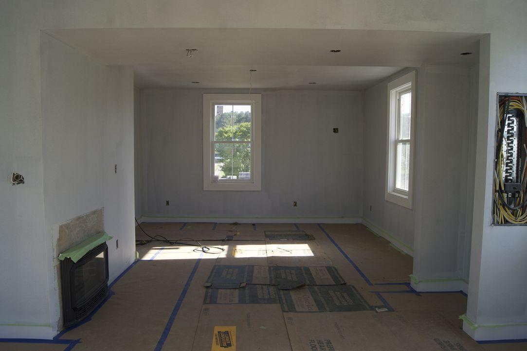 Die Arbeiten sind im vollen Gange, um in Virginia eine Blockhütte aus dem Jahr 2011 umzugestalten ... - Bildquelle: 2009, DIY Network/Scripps Networks, LLC