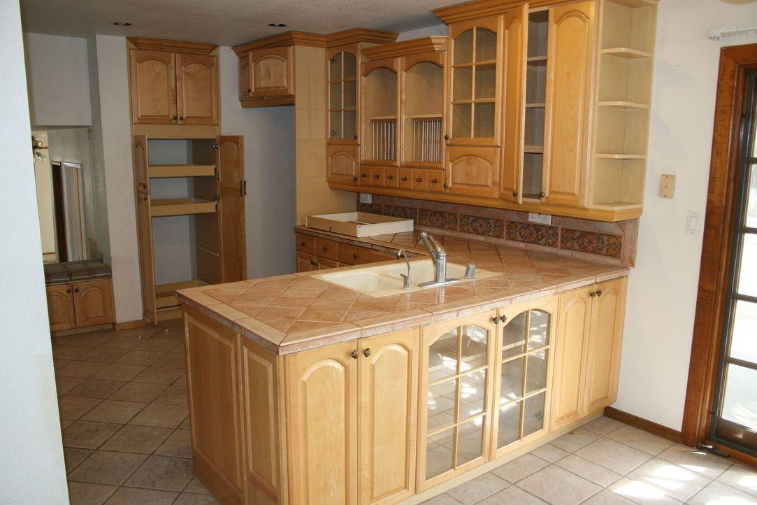 Aus alt mach neu: Die Küche soll nach der Verwandlung in einem neuen Glanz erstrahlen ... - Bildquelle: 2014,HGTV/Scripps Networks, LLC. All Rights Reserved