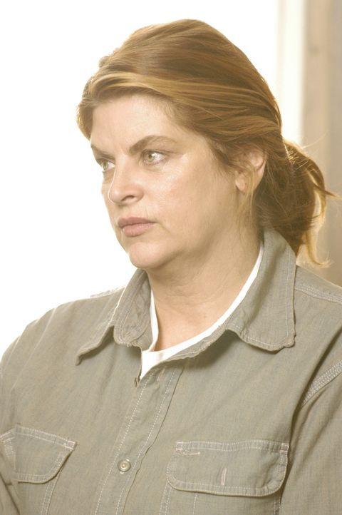 Die vermeintliche Supermutter Brenda Geck (Kirstie Alley) tut nichts anderes, als die ihr anvertrauten Kinder zu Ladendiebstähle, Versicherungsbetr... - Bildquelle: 2004 Sony Pictures Television Inc. All Rights Reserved.