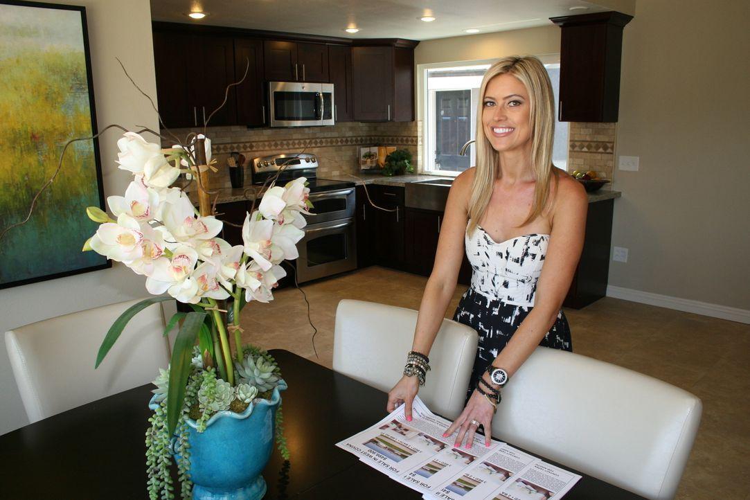 Christina hofft, dass das Haus trotz einer bösen Überraschung noch Gewinn abwirft ... - Bildquelle: 2014, HGTV/Scripps Networks, LLC. All Rights Reserved.