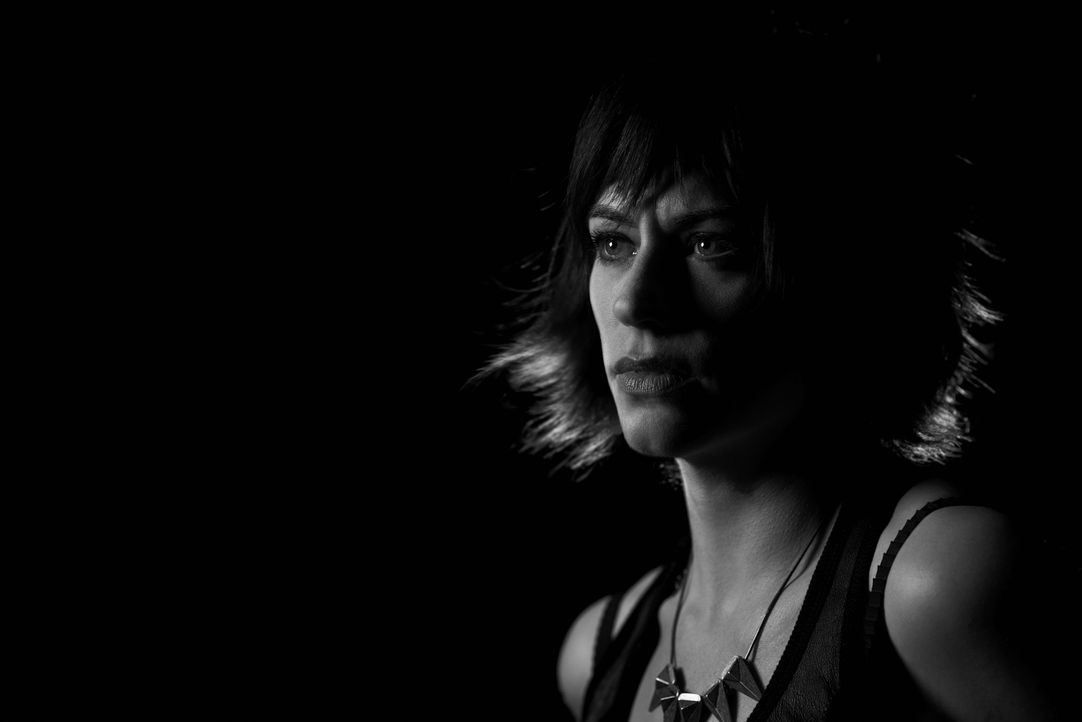 (6. Staffel) - SONS OF ANARCHY -  Tara Knowles (Maggie Siff) - Bildquelle: 2013 Twentieth Century Fox Film Corporation and Bluebush Productions, LLC. All rights reserved.