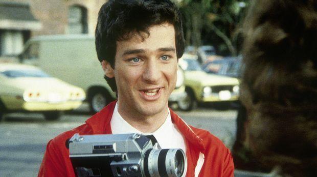 Scotty (Jeffrey Weissman, l.), der Parkplatzwächter, dreht heimlich einen Dok...