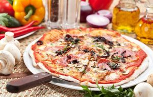 Enders Gasgrill Pizza : Pizza grillen statt backen: genuss vom pizzastein