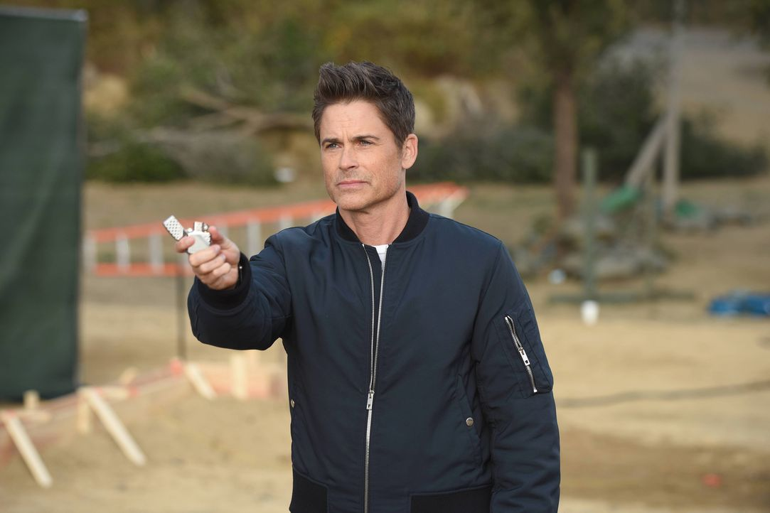 Dean (Rob Lowe) wagt einen großen Schritt, um endlich ein Leben zu führen, dass nicht mehr mit dem Grinder verwoben ist ... - Bildquelle: 2015-2016 Fox and its related entities.  All rights reserved.
