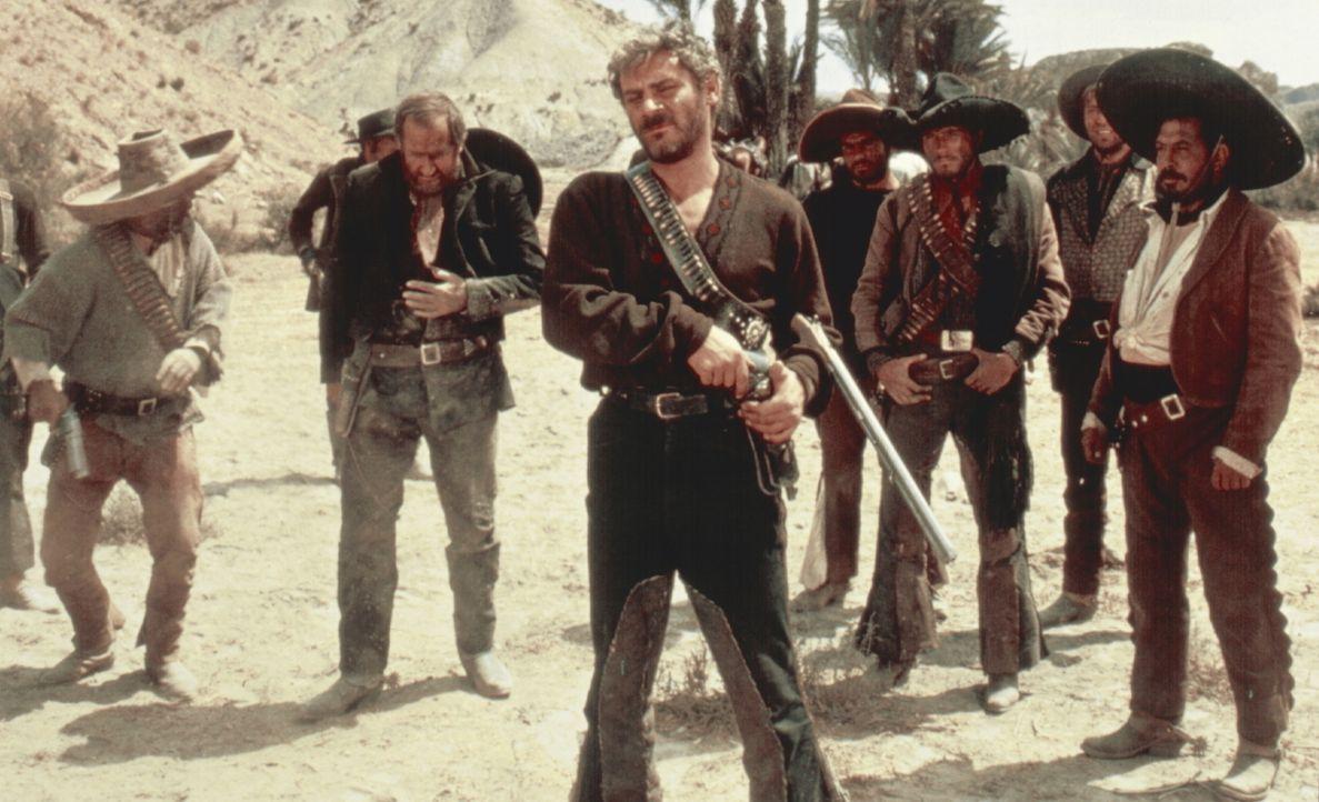 Auf den mexikanischen Bandit Indio (Gian Maria Volonté, M.) ist ein besonders hohes Kopfgeld ausgesetzt. Kein Wunder, dass fast die ganze Welt hinte... - Bildquelle: United Artists