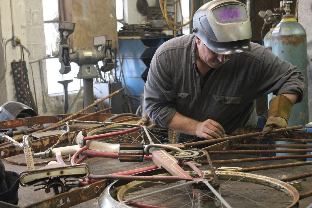"""Das Team von """"Black Dog Salvage"""" ist in historischen Gebäuden, bei Haushaltsauflösungen oder in verlassenen Fabriken auf Schatzsuche. Ihre Mission:... - Bildquelle: 2014, DIY Network/Scripps Networks, LLC. All RIghts Reserved."""