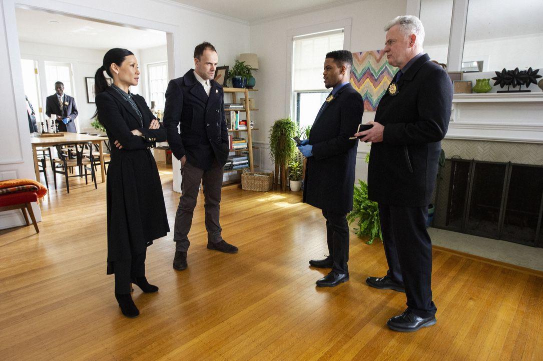 (v.l.n.r.) Joan Watson (Lucy Liu); Sherlock Holmes (Jonny Lee Miller); Marcus Bell (Jon Michael Hill); Tommy Gregson (Aidan Quinn). - Bildquelle: Jeff Neira 2018 CBS Broadcasting, Inc. All Rights Reserved / Jeff Neira