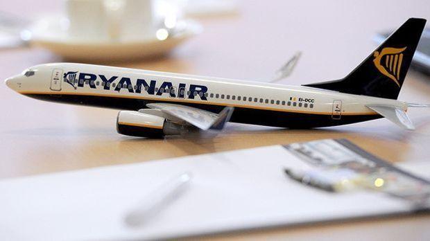 Pilotenstreik bei Ryanair - Passagiere müssen um Flüge zittern