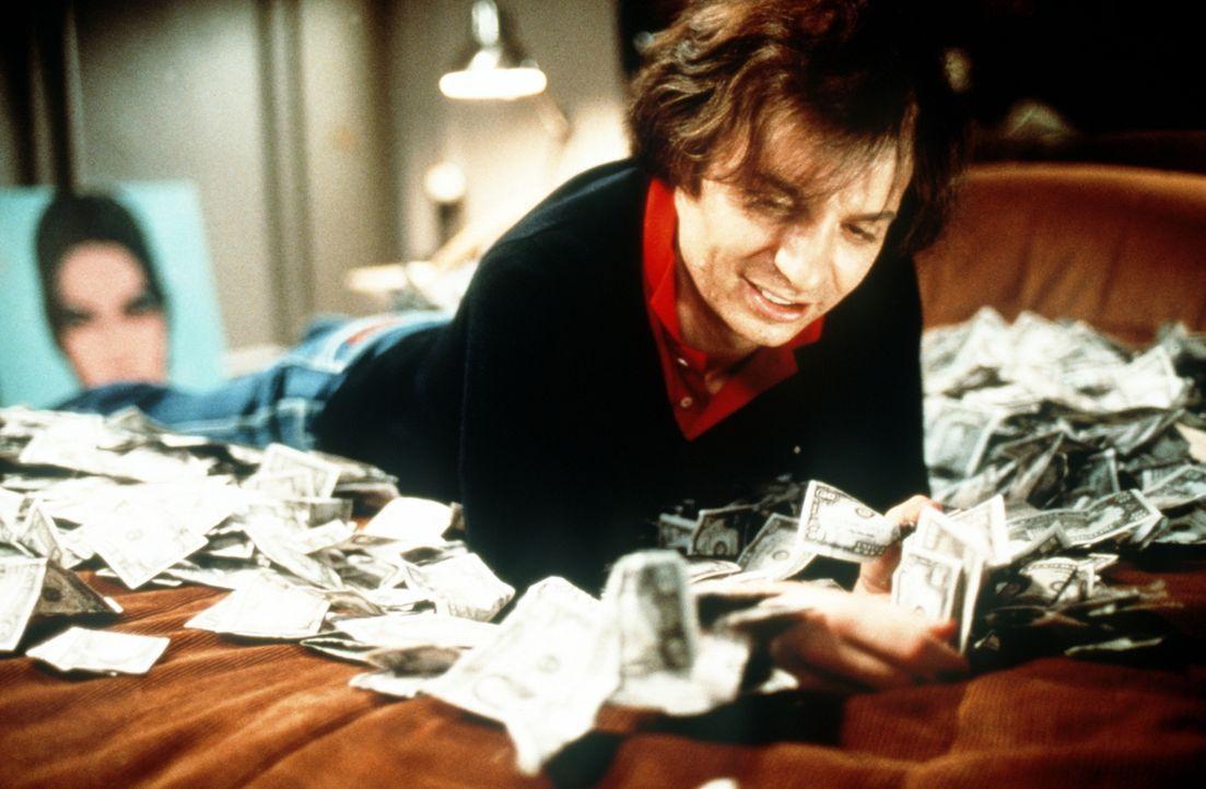 """Jede Nacht steht die High Society Schlange vor seinem In-Club """"Studio 54"""": Steve Rubell (Mike Myers) ... - Bildquelle: Miramax Films"""