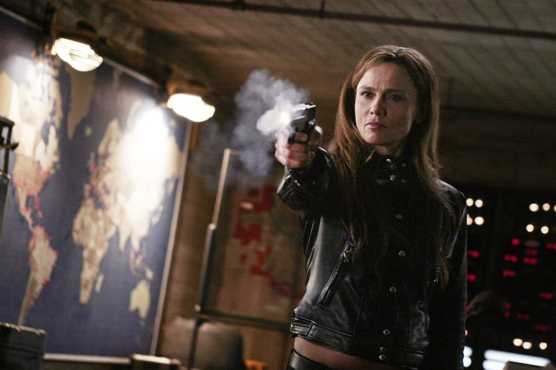 Versucht gemeinsam mit Sydney die Welt zu retten: Irina (Leno Olin) ... - Bildquelle: Touchstone Television