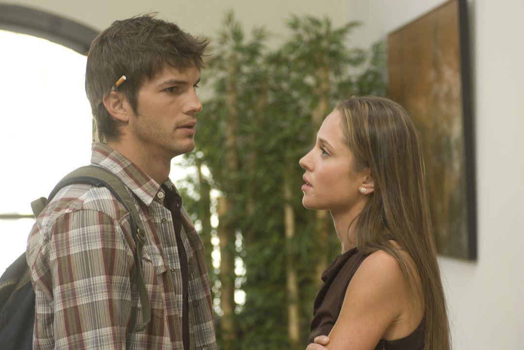 Der schöne Nikki (Ashton Kutcher, l.) kennt seine Vorzüge, und er setzt sie eiskalt ein. Sex gegen ein Leben in Luxus, so lautet seine Erfolgsform... - Bildquelle: 2008 by EASY A Inc. All Rights Reserved