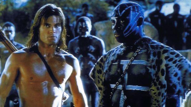 Mit der Unterstützung seiner ehemaligen Weggefährten nimmt Tarzan (Caspar an...