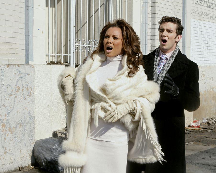 Finden sich in einer verzwickten Situation wieder: Wilhelmina (Vanessa Williams, l.) und Marc (Michael Urie, r.) ... - Bildquelle: Buena Vista International Television