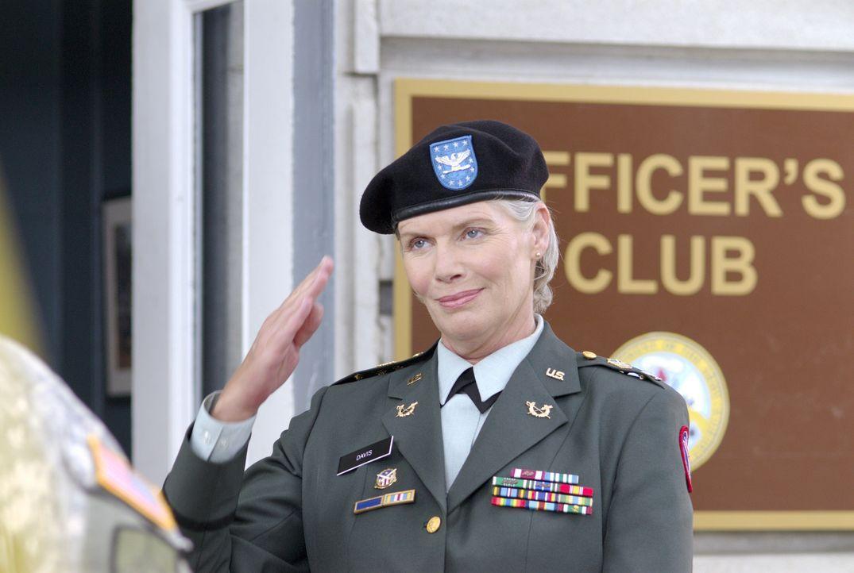 Kompromisslos und hart: Colonel Gillian (Kelly McGillis) - Bildquelle: Metro-Goldwyn-Mayer Studios Inc. All Rights Reserved.