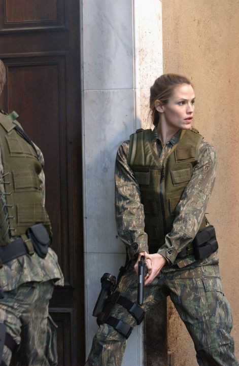 Ein neuer Einsatz bringt Sydney (Jennifer Garner) nach Stuttgart ... - Bildquelle: Touchstone Television