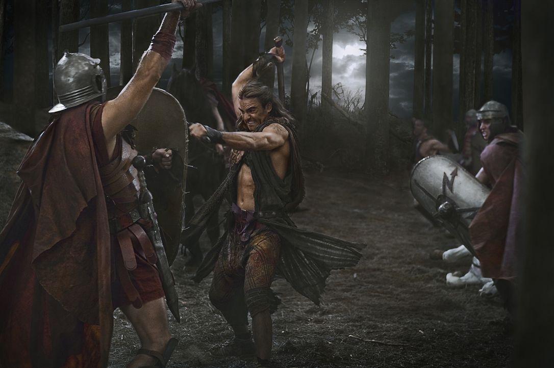 Kaum hat Glaber das Versteck von Spartacus und seinen Leuten ausfindig gemacht, da greift er mit allen ihm zur Verfügung stehenden Mitteln an. Für G... - Bildquelle: 2011 Starz Entertainment, LLC. All rights reserved.