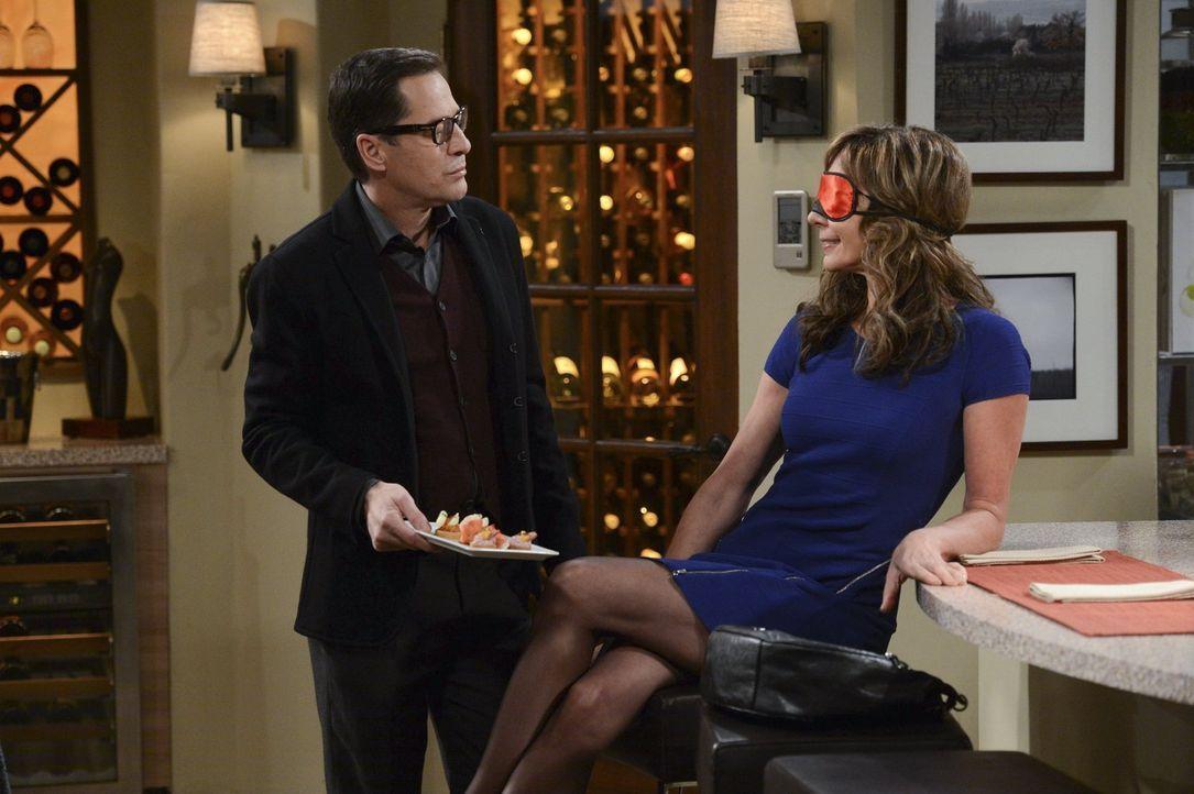 Eine kulinarische Affäre: Rudy (French Stewart, l.) und Bonnie (Allison Janney, r.) ... - Bildquelle: Warner Brothers Entertainment Inc.