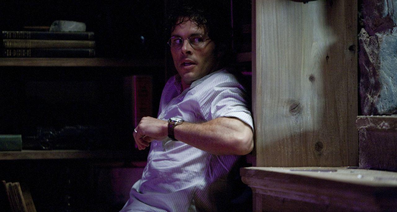 Im Visier des Bösen: David (James Marsden) ... - Bildquelle: Steve Dietl 2011 CTMG, Inc.  All Rights Reserved.