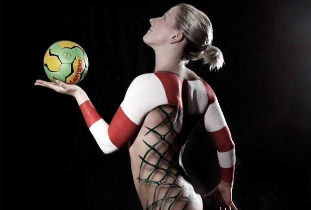 Sexy Bodypainting-Kalender - Bildquelle: Imago