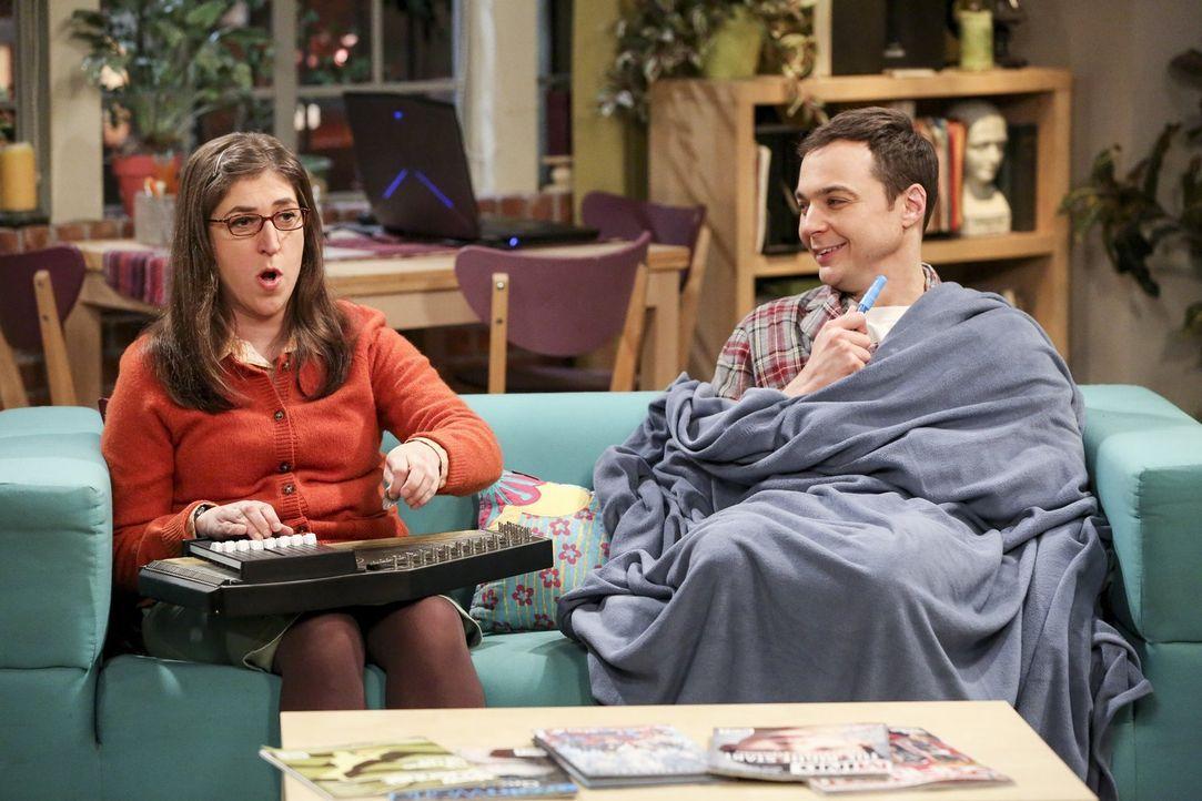 Für Sheldon (Jim Parsons, r.) ist Amy (Mayim Bialik, l.) die perfekte Frau. Mit ihr geht es ihm auf Anhieb viel besser ... - Bildquelle: 2016 Warner Brothers
