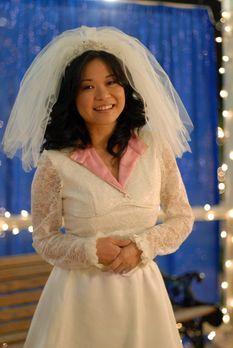 Gilmore Girls - Lorelai hat das Hochzeitskleid von Lanes (Keiko Agena) Mutter...